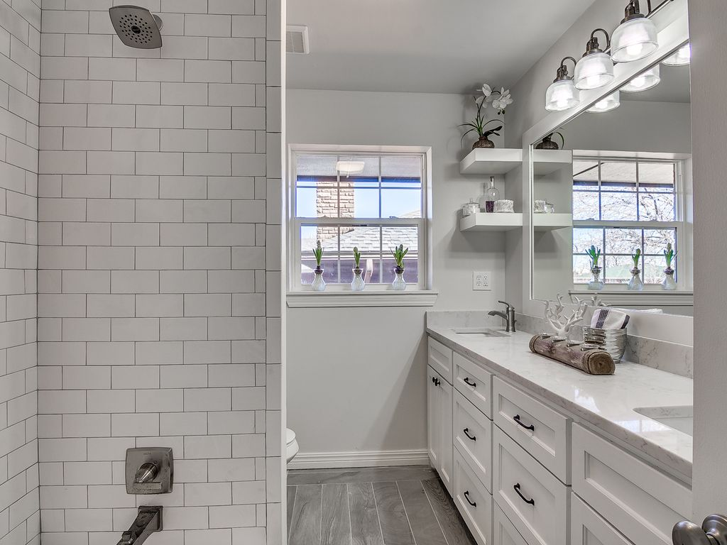 Transitional Style Bathroom