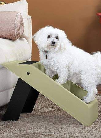 Dog Christmas Gift Idea: Pet Steps | GreyDock Blog