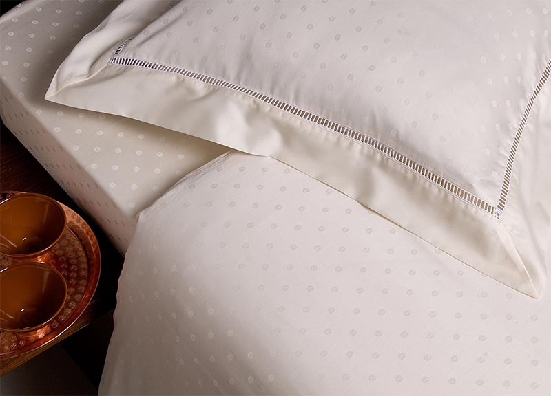 Microfiver vs. Cotton Bed Sheets | GreyDock Blog
