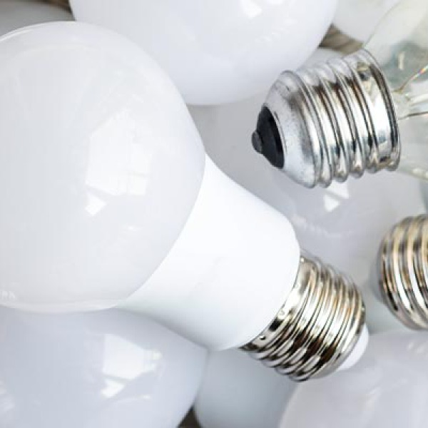 6 Reasons You Need To Switch To LED Light Bulbs | GreyDock Blog